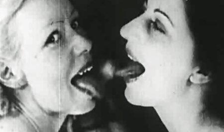 Petite Babe fickfilme kostenlos Anal in oberschenkelhohen Fencenet-Strümpfen