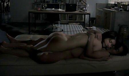 Schlampe Frau wird in free fickfilm den Arsch gefickt