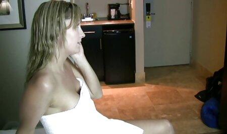 Harmony Vision Riesige natürliche free fickfilm Titten Babes teilen Schwanz
