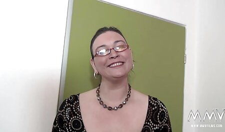 Ebenholzschönheit Leilani Leanne nimmt einen weißen japanische fickfilme Schwanz