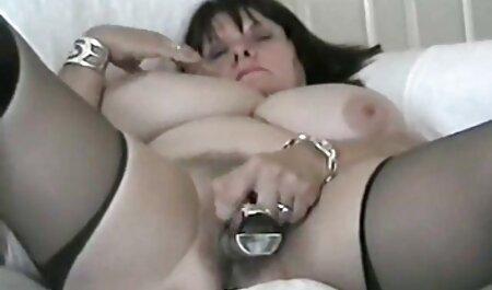 MOM Anspruchsvolle Brünette mit haarigen kostenlose fickfilme ansehen Pussy schluckt