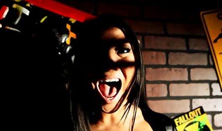 Mit Leder bekleidete Amber fickfilme hd Ashley bekommt ein Gesicht voller heißer Sperma
