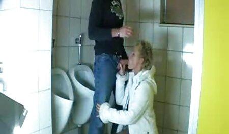 Nicole fingert ihre nasse reife deutsche fickfilme kostenlos Muschi, um auszusteigen.