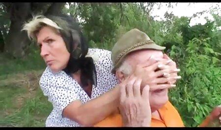 Oma und zwei junge fickfilme de Männer - 7