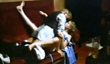 Teen Sex im fickfilme kostenfrei Badezimmer