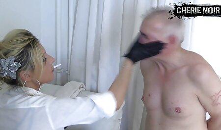 Eine heiße junge blonde Schlampe wird gefickt und nimmt gehorsam eine Ladung in hardcore fickfilme den Mund
