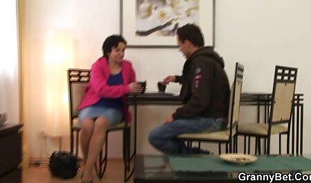Japanischer Bimbo mit großem Dildo - fickfilme in hd POV